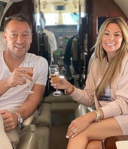 Lenda do Chelsea, John Terry viaja para o Algarve em jato privado
