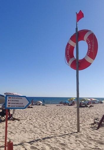 Praia de Monte Gordo interditada a banhos devido à presença de bactéria na água