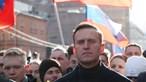 Opositor russo Alexey Navalny condenado a dois anos e oito meses de prisão