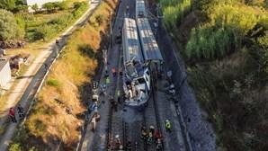Dois mortos e 43 feridos em acidente com comboio alfa em Soure