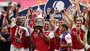 """Treinador do Arsenal diz que os adeptos """"deram a maior resposta da história"""" à Superliga Europeia"""