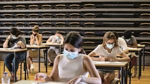 Regras da pandemia sobem notas de exames nacionais