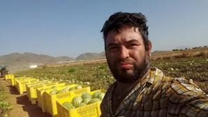Trabalhador sazonal morre após trabalhar 11 horas diárias a mais de 40 graus e sem água
