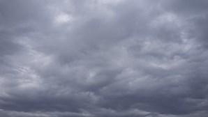 Fim de semana começa com céu nublado em todo o País