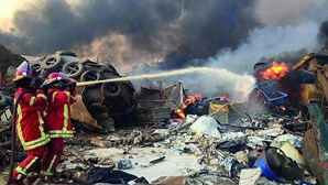 Beirute devastada por explosão gigante que matou mais de 70 pessoas