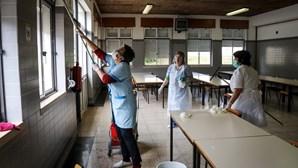 Escolas temem perda de 1000 funcionários