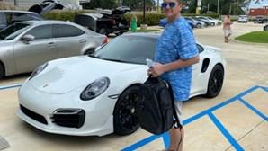 Compra Porsche 911 Turbo com cheque feito em casa e acaba preso