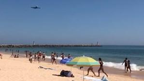 Avião A380 da Hi Fly sobrevoa litoral algarvio. Veja as imagens