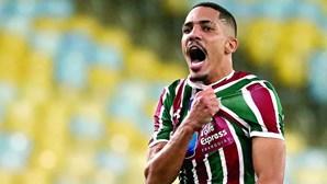 Gilberto é o primeiro reforço de Jorge Jesus no Benfica
