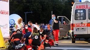 Ciclista holandês empurrado por rival sem lesões cerebrais após operação de cinco horas