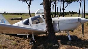 Avioneta aterra de emergência em campo de golfe dos Oitavos em Cascais