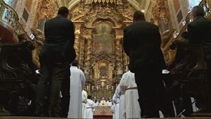 """Batismo é considerado inválido se for """"em nome dos papás"""""""
