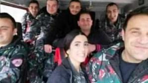 """Revelada última foto de bombeiros """"heróis"""" a caminho de fogo que precedeu explosão arrasadora em Beirute"""