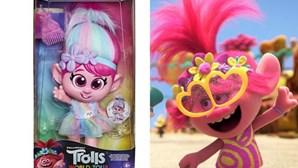 """Boneca do filme 'Trolls' retirada do mercado após queixas de que """"promove pedofilia"""""""