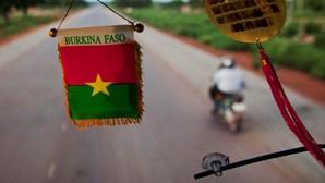Ataque a mercado faz cerca de 20 mortos no leste do Burkina Faso