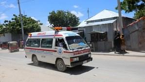 Carro conduzido por homem-bomba explode e faz oito mortos na Somália