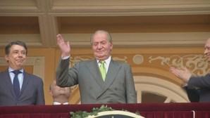Juan Carlos exilado em hotel nos Emirados