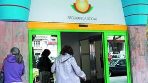 Segurança Social nega apoios a recibos verdes com base em condição que não existe na lei
