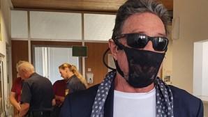 """""""É a máscara mais segura que tenho disponível"""": Milionário detido por usar cuecas de senhora em vez de máscara"""