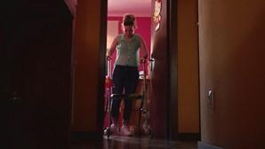 Marta, a menina milagre, faz a 29ª operação para voltar a andar