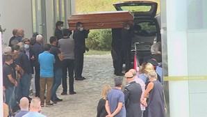 Céu de Leiria é palco de homenagem ao piloto morto durante combate a incêndio
