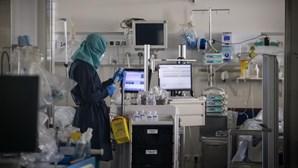 Cinco mortos e 899 infetados por coronavírus nas últimas 24 horas