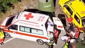 """Ciclista Remco Evenepoel """"consciente"""" após queda violenta na Volta à Lombardia"""
