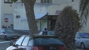 Atirador em fuga após balear homem em discussão num café da Póvoa de Varzim