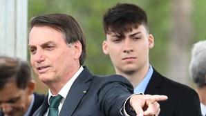 Comissão parlamentar denuncia supostas ameaças do filho do Presidente do Brasil