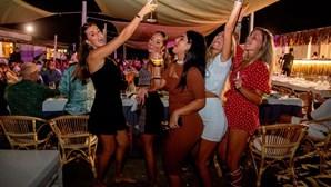Itália fecha discotecas e obriga uso de máscara à noite em espaços públicos