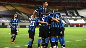 Inter de Milão goleia Shakhtar e defronta Sevilha na final da Liga Europa