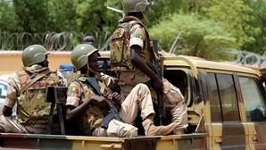 Fronteiras terrestres e aéreas do Mali reabrem esta sexta-feira