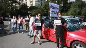 Meia centena de condutores de animação turística protestam em Sintra contra interdições ao trânsito