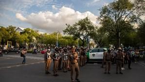 Polícia tailandesa detém músico e ativistas pró-democracia