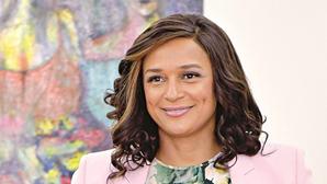 Empresária angolana Isabel dos Santos nega transferências associadas à sua família