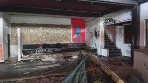 Discoteca Green Hill marcou a vida de várias gerações na Foz do Arelho. Edifício está hoje ao abandono