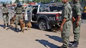 Polícia moçambicana detém 201 pessoas por violarem estado de emergência devido ao Covid-19