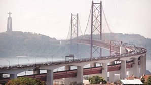 Acidente na Ponte 25 de Abril em Lisboa faz um ferido