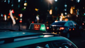 Táxi oferece serviço de entretenimento a bordo