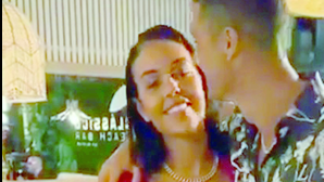 Cenário romântico e anel misterioso: foi assim a festa em que Georgina disse 'sim' a Cristiano Ronaldo