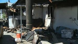 Mulher foge com a filha de casa a arder em Felgueiras