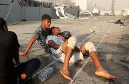 Caos e destruição em Beirute: Imagens mostram momento da explosão e destroços na capital do Líbano