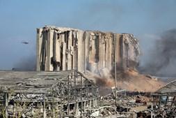 Cidade de Beirute destruída após explosões