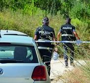 Polícia esteve no local a investigar