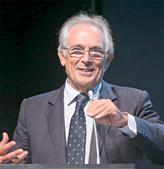O patologista  Sobrinho Simões  também participou no debate
