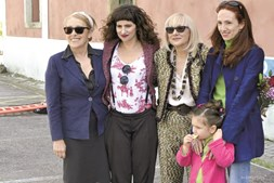Fernanda Lapa (ao centro), com a irmã, São José, as filhas e a sobrinha