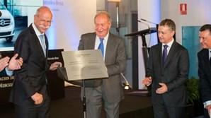 Juan Carlos com Dieter Zetsche, presidente do grupo Daimler na época
