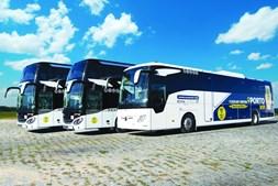 Autocarros da Royal Express estão equipados com Wi-Fi, DVD, WC, ar condicionado e muito mais.