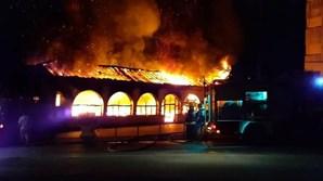 Incêndio destruiu sede da mais antiga escola de samba da Mealhada