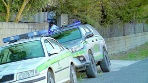 Assassina 'ex' com tiros de caçadeira e deixa três filhas orfãs